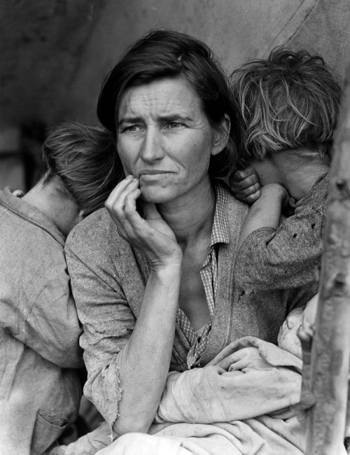 Florence Owens Thompson seen in the photo Destitute Pea Pickers in California. Mother of Seven Children. by Dorothea Lange (source: Wikipedia)